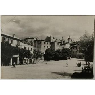 Labin: stara razglednica prizor s ulice