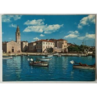 Fažana: stara razglednica crkva, riva i brodovi