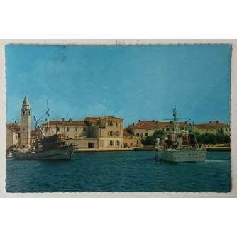 Fažana: stara razglednica riva i brodovi